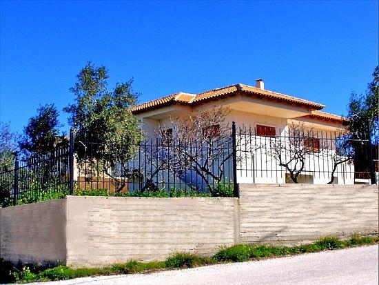 Дом в Лагониси у моря без посредников