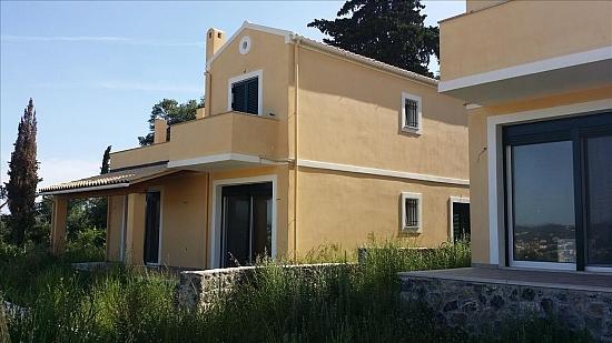 Дом с участком в остров Самотраки